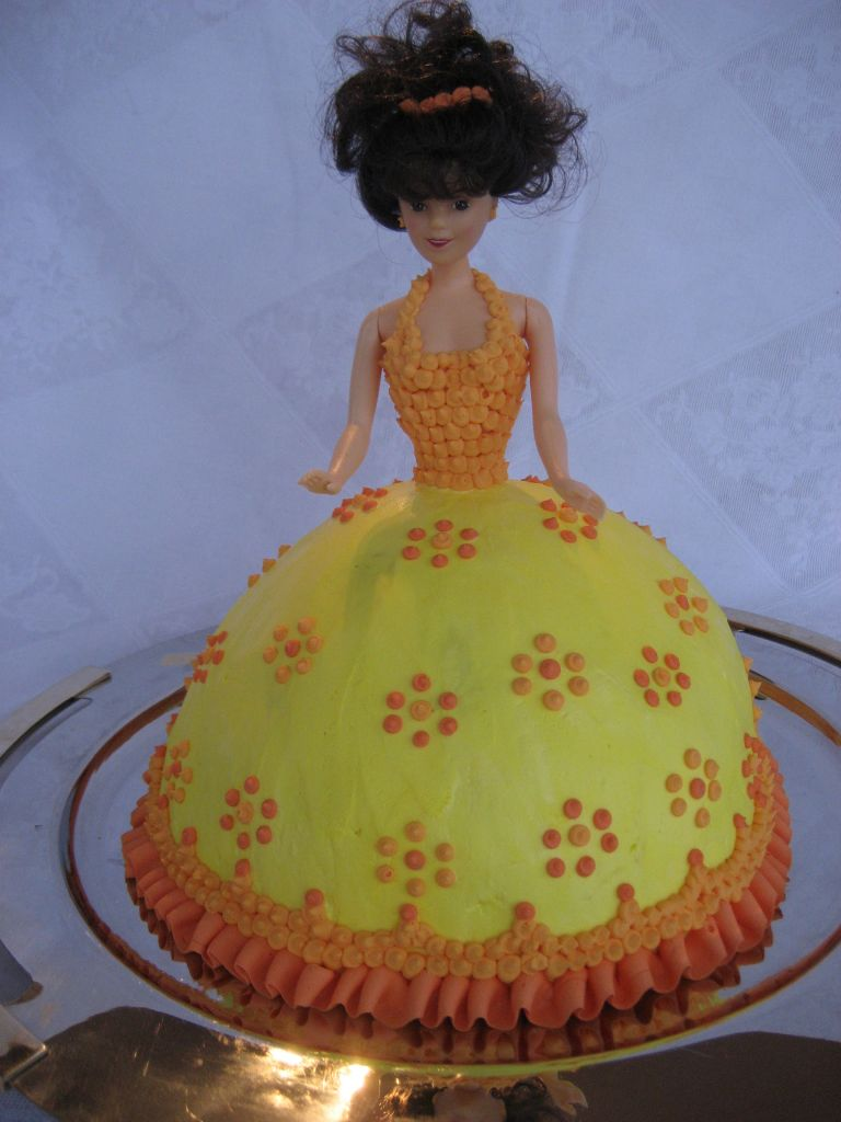 Barbie Doll Cake Decorating Ideas : Barbie doll cake Cake Deco Ideas